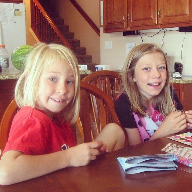 little girls making crafts instagram