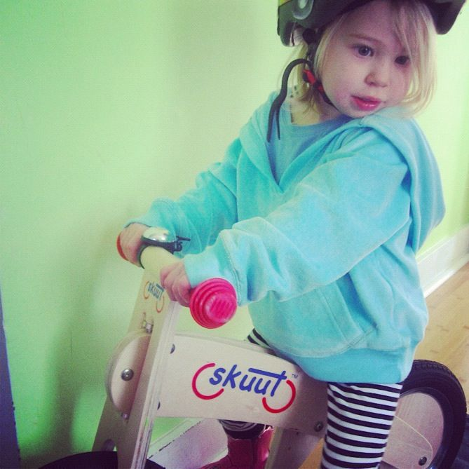 little girl balance bike skuut instagram