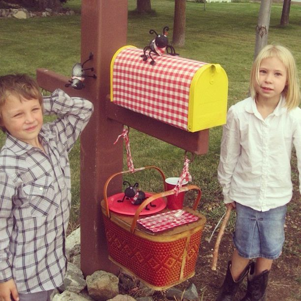 boy girl decorated mailbox instagram