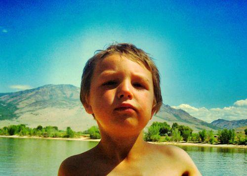 little boy blue sky lake snapseed