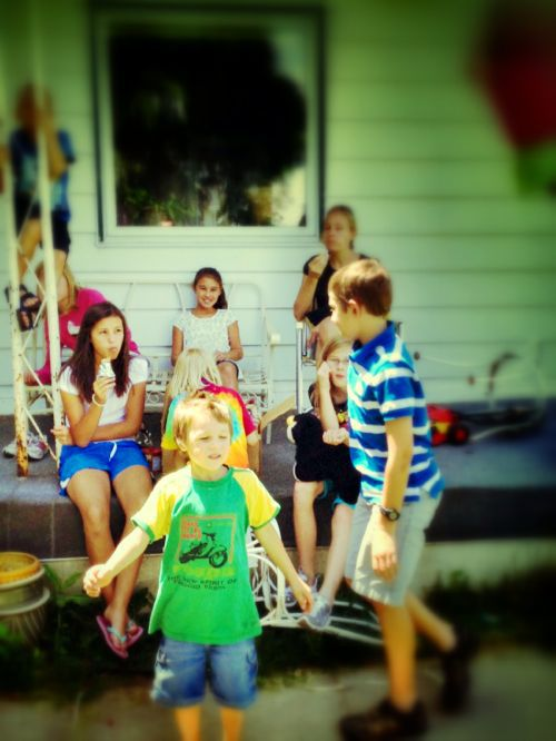 bunch of kids on porch snapseed