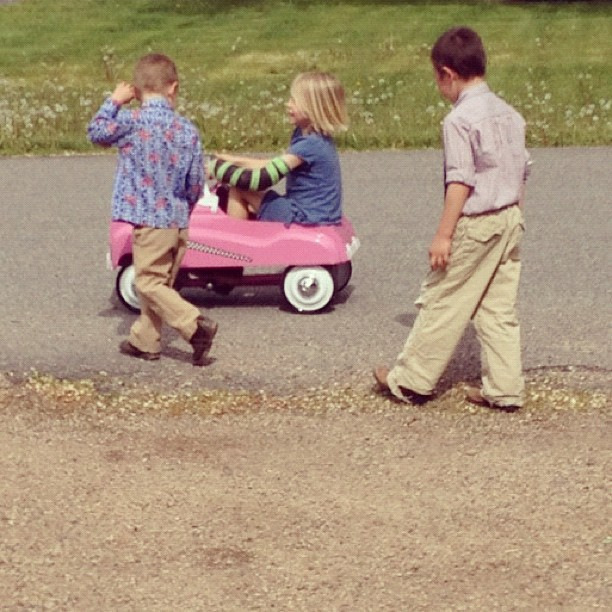 kids playing with pink play car instagram
