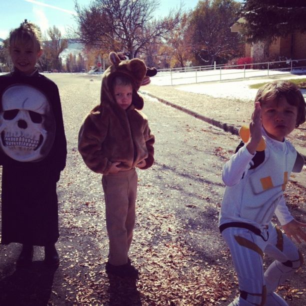 trick or treating kids instagram
