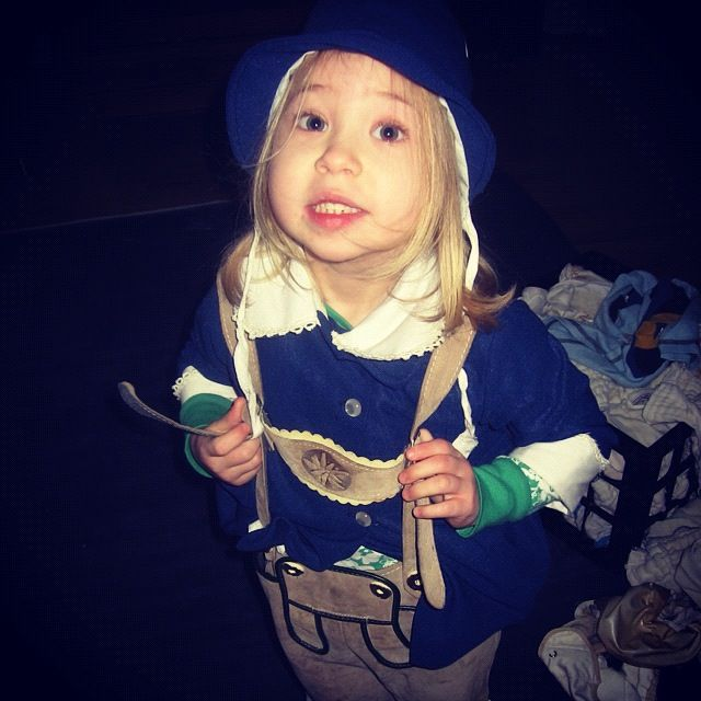 little girl lederhosen instagram