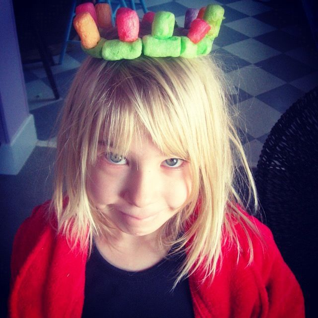 little girl crown noodles instagram