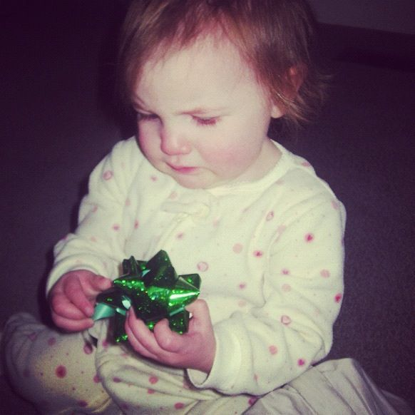 baby girl christmas bow instagram